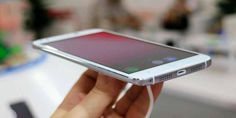 Смартфон с 4-мя камерами - новинка от китайского производителя